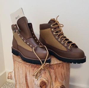 Danner LT boots - Men sz.10 (Never been worn!)